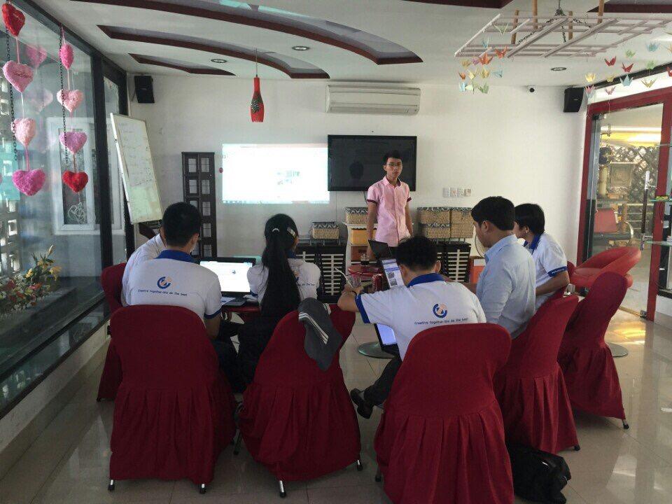 Ngày thứ 2 chia sẻ về SEO tại quán cafe với các bạn công ty CTNET