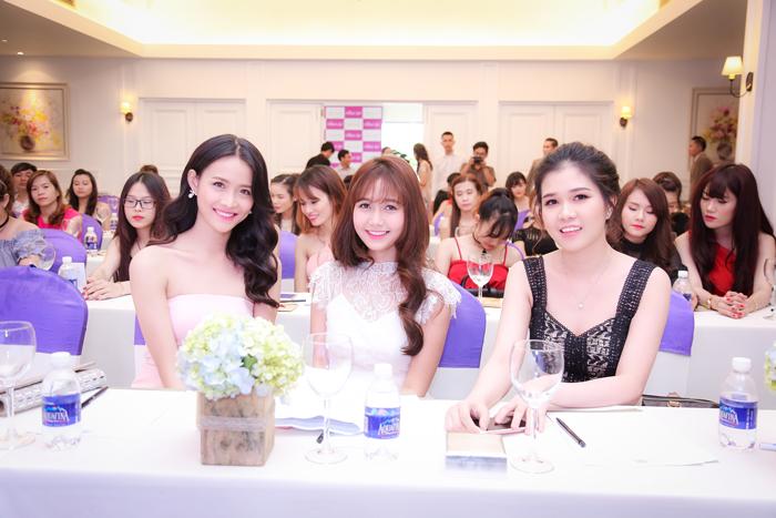 Người mẫu Trương Mỹ Nhân & hot girl Nhung Gumiho cùng đại diện Dr Cell