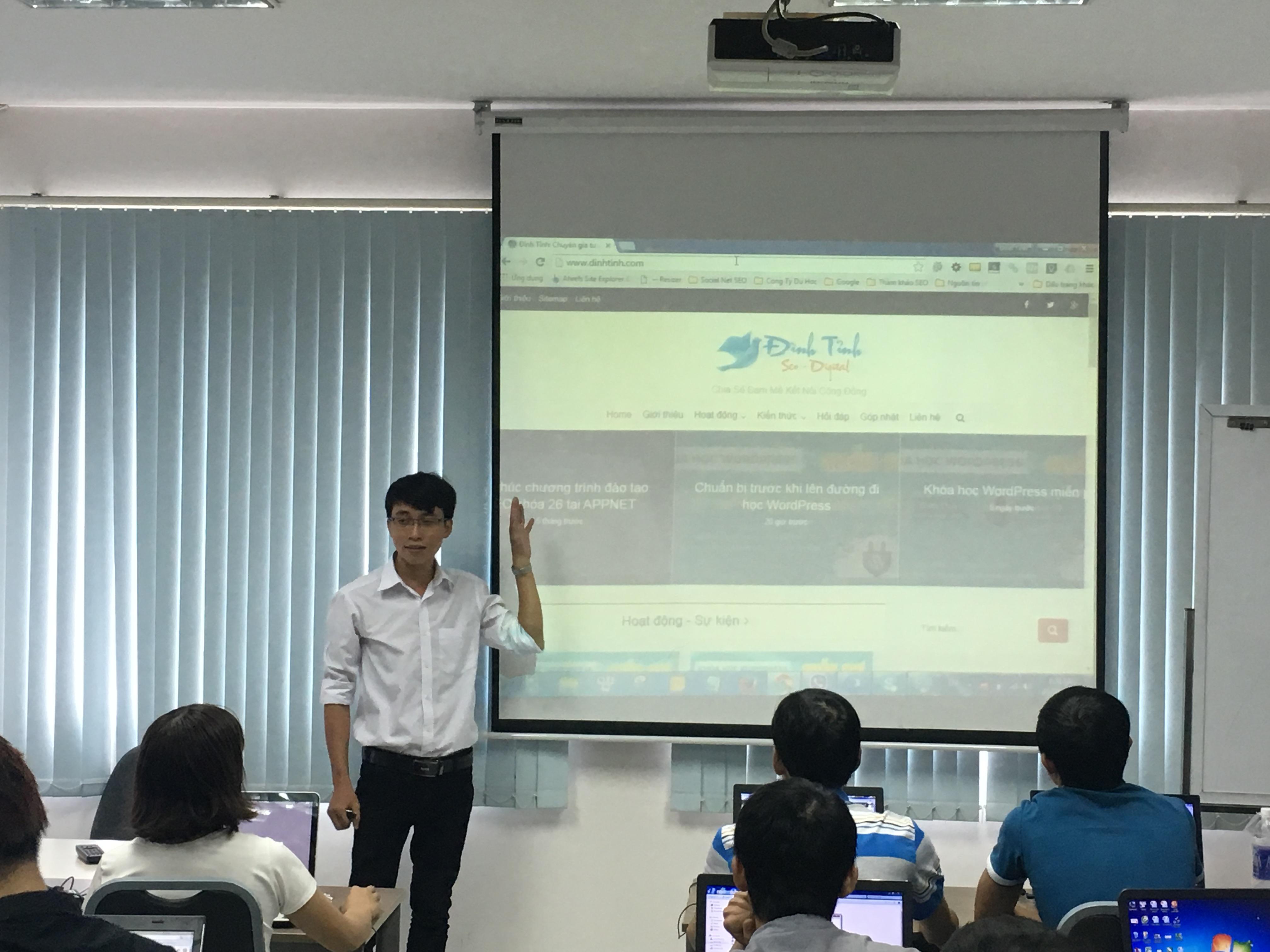 Giới thiệu Website dinhtinh.com