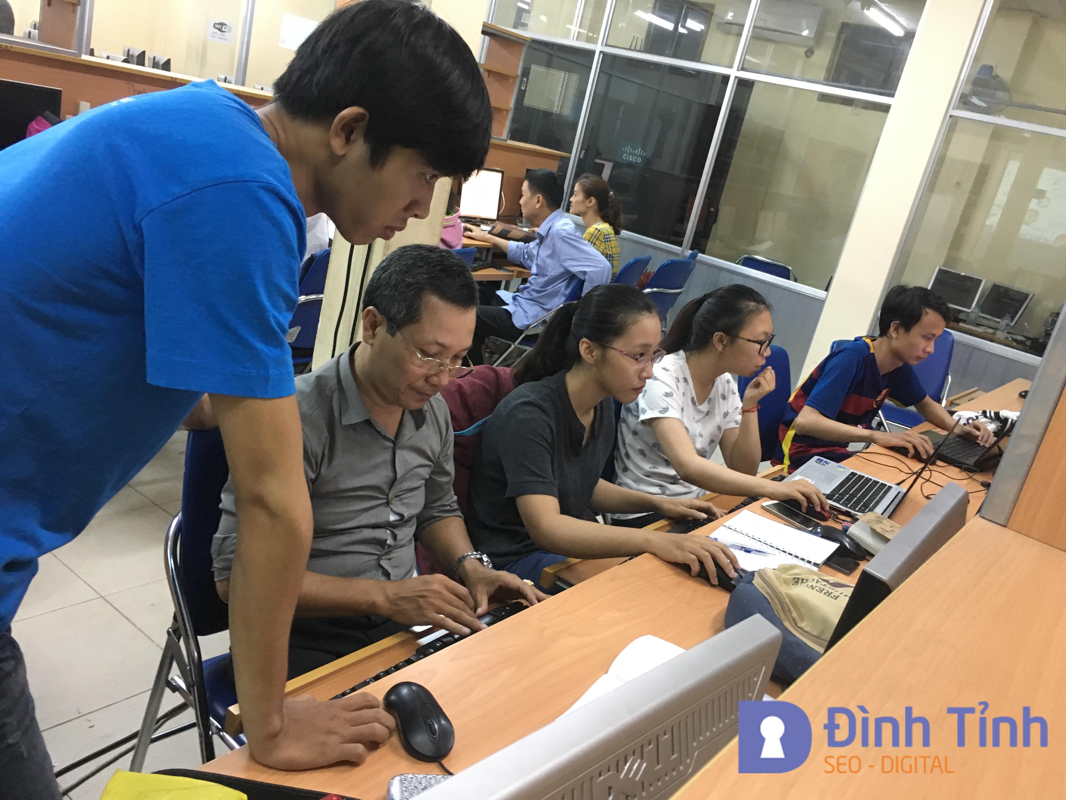 Hỗ trợ học viên thực hành tạo Website