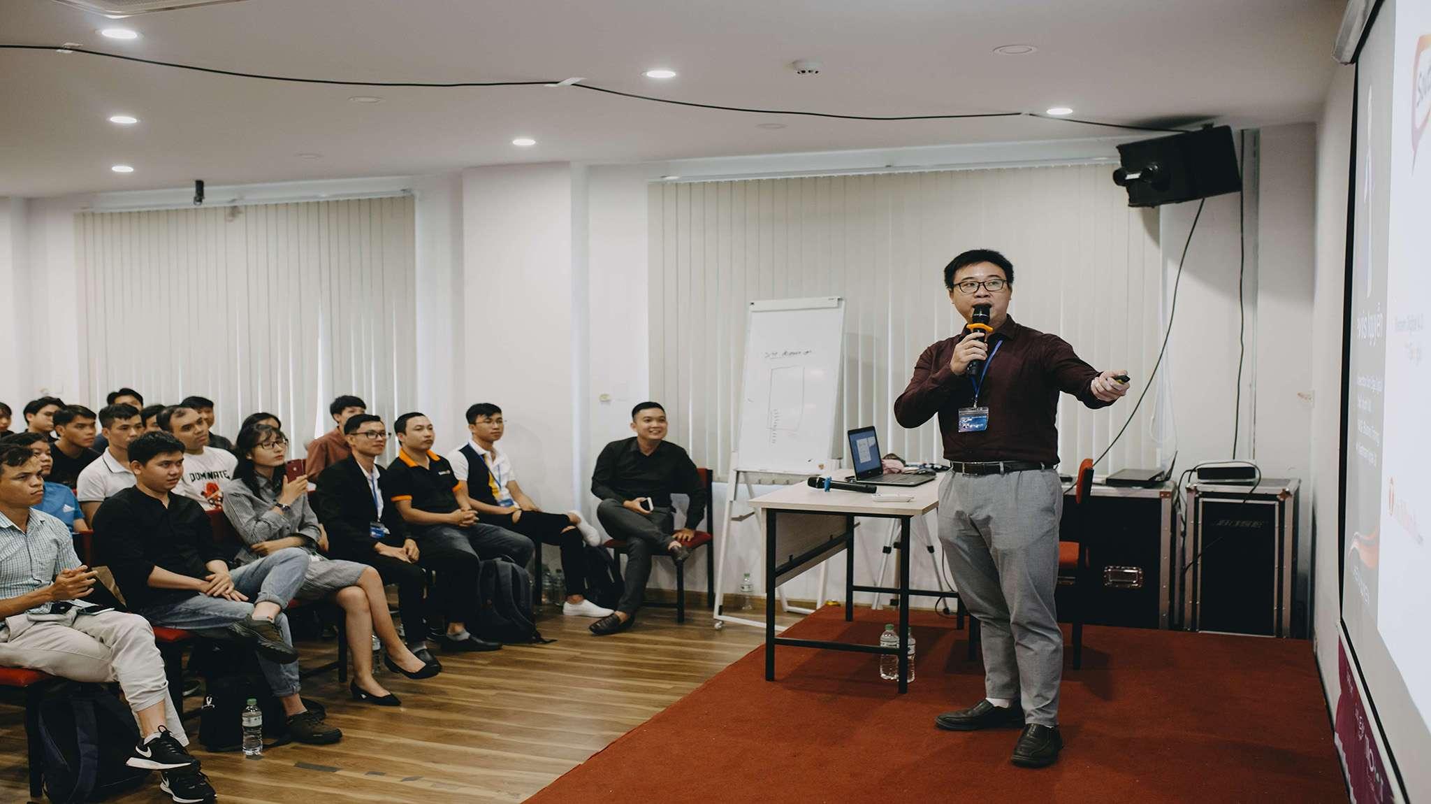 Lavies Nguyễn chia sẻ về Vector trong SEO